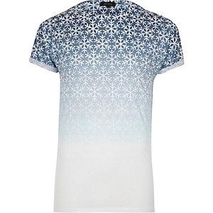 Weißes T-Shirt mit Schneeflocke in verblasster Optik