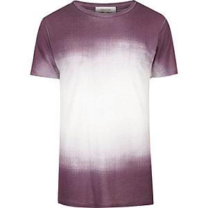 Weiß-lila T-Shirt mit verblichenem Print