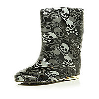 Boys black skull wellington boots