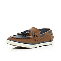 Boys brown tassel boat shoes