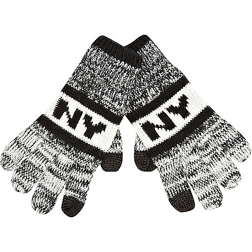 Boys black NY smart touch gloves