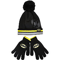 Boys black Batman bobble hat and gloves set