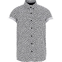 Boys white fan print shirt