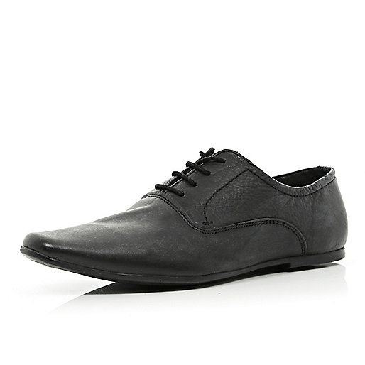 Boys black pointed smart shoes