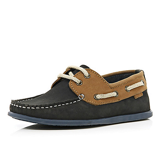 Boys navy boat shoe