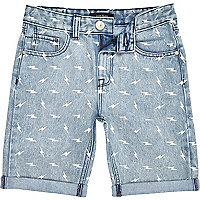 Boys light wash lightening print denim shorts