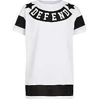 Boys white defend print mesh t-shirt