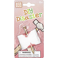 Boys white DIY disaster joke
