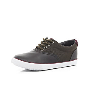 Boys red mesh splinter plimsolls
