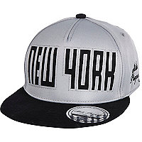 Boys grey New York snapback hat