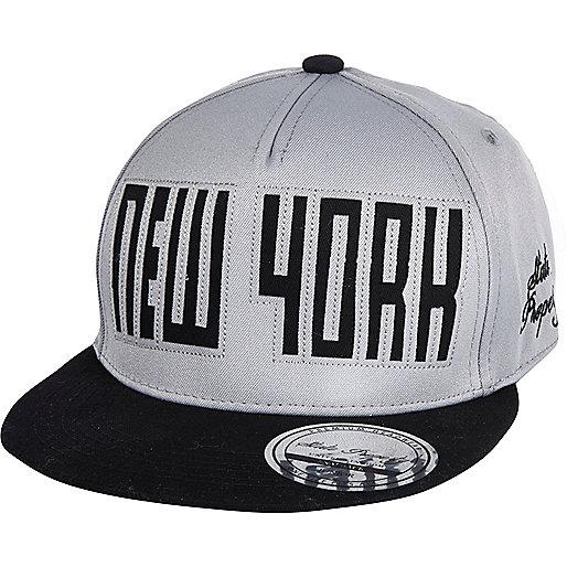 Boys grey New York snapback hat