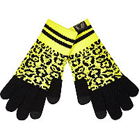 Boys yellow leopard print gloves