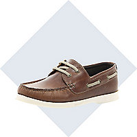 Boys brown boat shoe