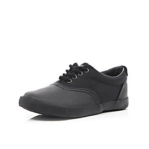Boys black mesh plimsolls