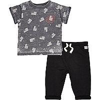 Mini boys flag t-shirt and black jogger set