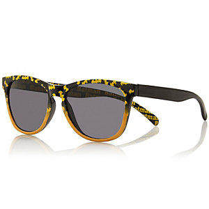 Boys black Batman logo sunglasses