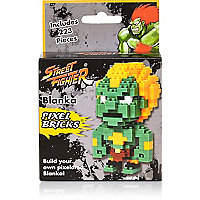 Boys street fighter brick builder
