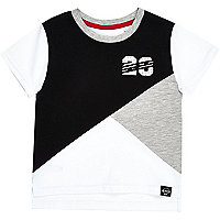 Mini boys white colour block t-shirt