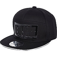 Boys black New York rubber print cap