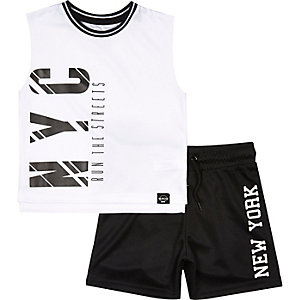 Mini boys sporty t-shirt and shorts outfit