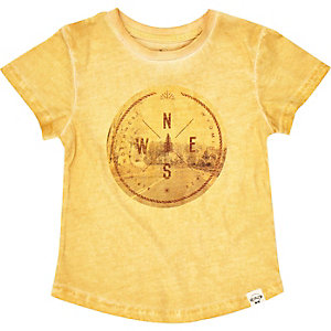 Mini boys yellow sign print t-shirt