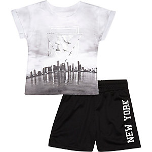 Mini boys monochrome NY t-shirt shorts outfit