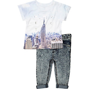 Mini boys blue NYC t-shirt jeans outfit