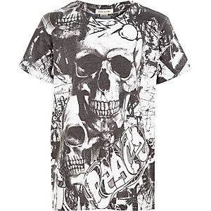 Boys black skull print t-shirt