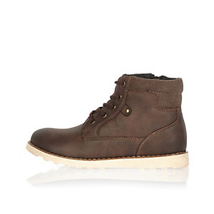 Boys brown cleated sole worker boots