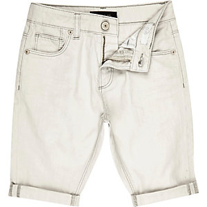 Boys off-white turn-up denim shorts