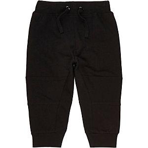 Schwarze Jogginghose