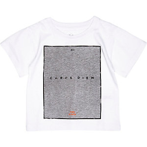 Mini boys white carpe diem print t-shirt