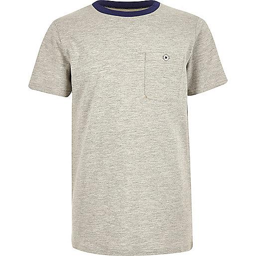 Graues T-Shirt mit Kontrastkragen