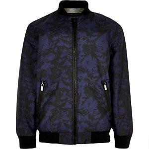 Marineblaue Bomberjacke mit Camouflage-Muster