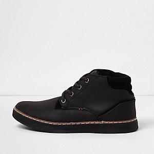 Schwarze, strukturierte Demi-Stiefel