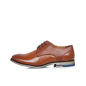 Boys brown textured smart shoes