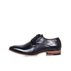 Chaussures noires habillées pour garçon