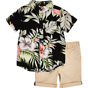 Mini boys floral shirt and shorts outfit