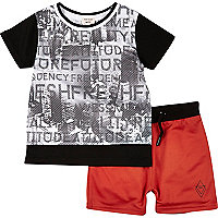 Mini boys black print t-shirt and shorts set