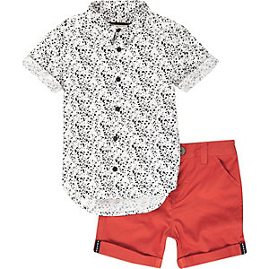 Mini boys white print shirt and shorts outfit