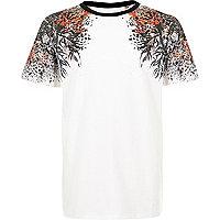 Weißes T-Shirt mit orientalischem Muster