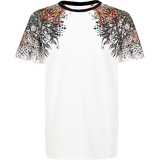 Boys white oriental shoulder print t-shirt