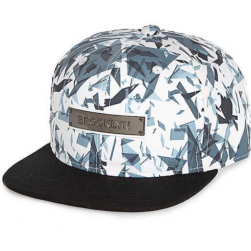 Boys white geometric Brooklyn cap