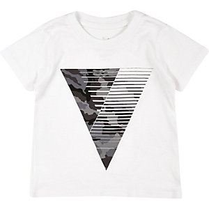 Mini boys white triangle print t-shirt