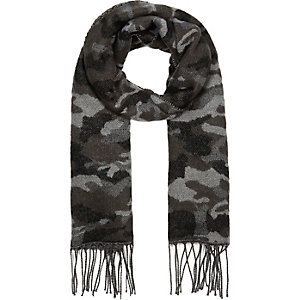 Boys grey camo scarf