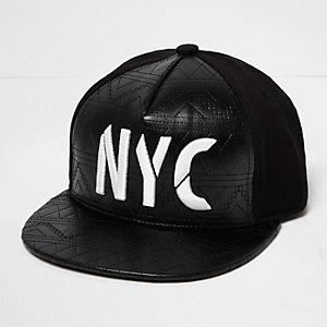 Schwarze, gesteppte NYC-Kappe