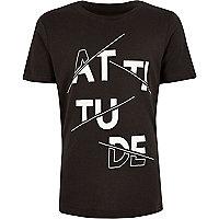 """T-Shirt mit """"Attitude""""-Print in Anthrazit"""