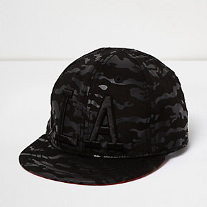 Boys black camo LA cap