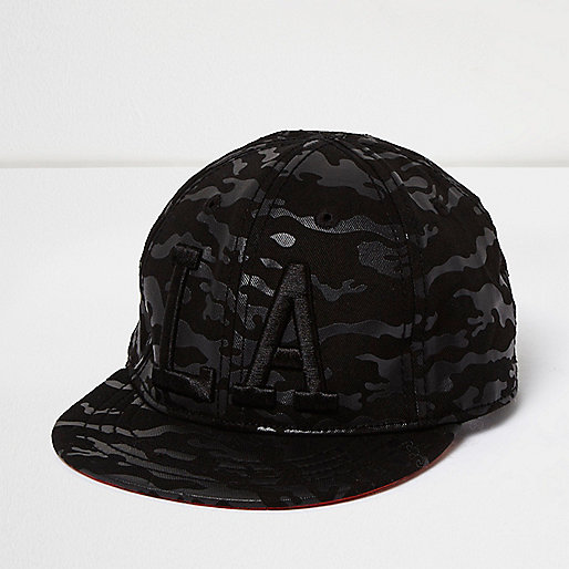 Mini boys black camo LA cap