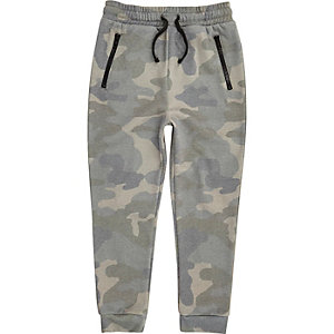 Jogginghose in Khaki mit Camouflage-Muster